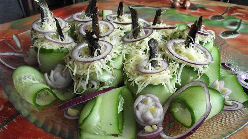novogodnij-salat-rybki-plavali-v-prudu-2