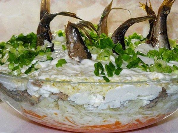 видеорецепт салат рыбки в пруду