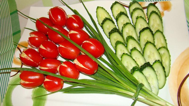 salat-na-8-marta-buket-tyulpanov-2