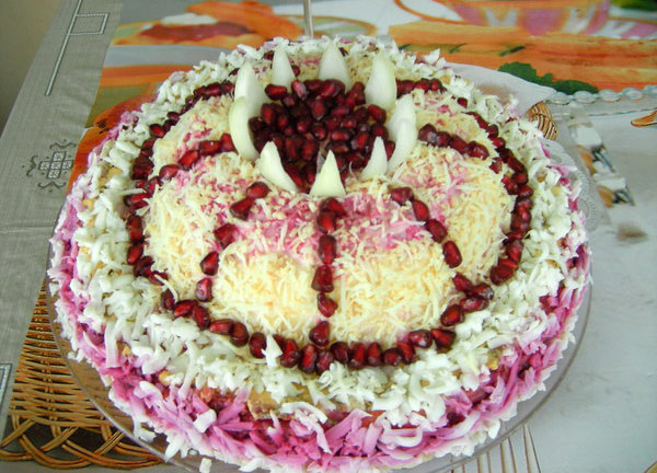 salat-shapka-monomaxa-poshagovaya-instrukciya-foto-recept-4
