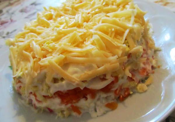 salat-s-kuricej-i-morkovyu-posolskij