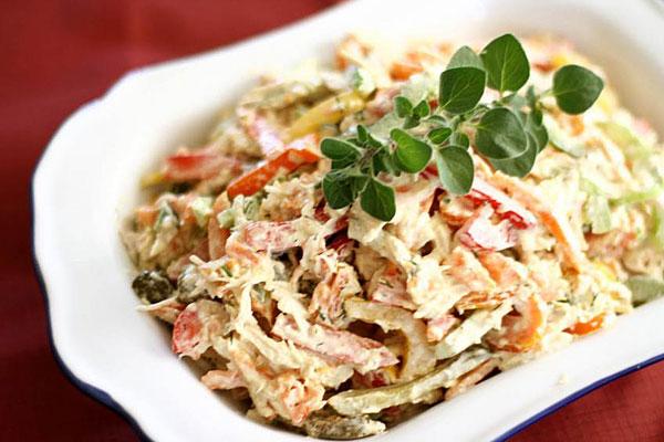 salat-s-vetchinoj-i-krabovymi-palochkami-maskarad-1