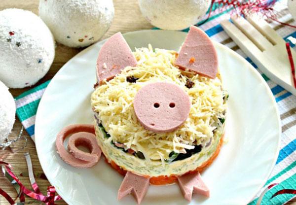 salat-svinka-s-kalmarami